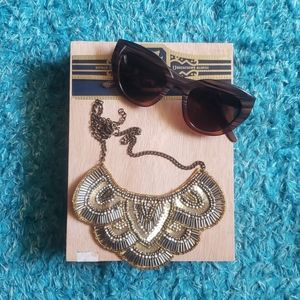 Sunglasses and necklace set!!!